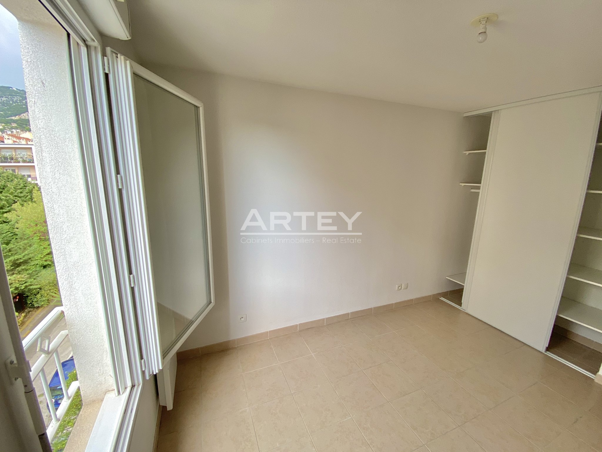 Apartment - Toulon 83000