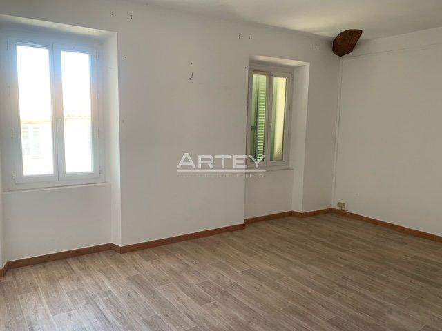 Apartment - La Crau 83260