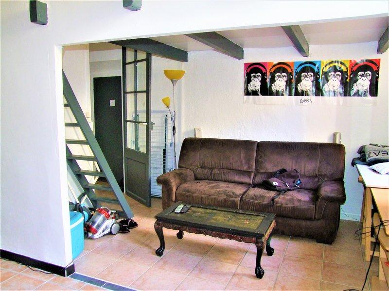 vente achat appartement hyeres 83400. Black Bedroom Furniture Sets. Home Design Ideas