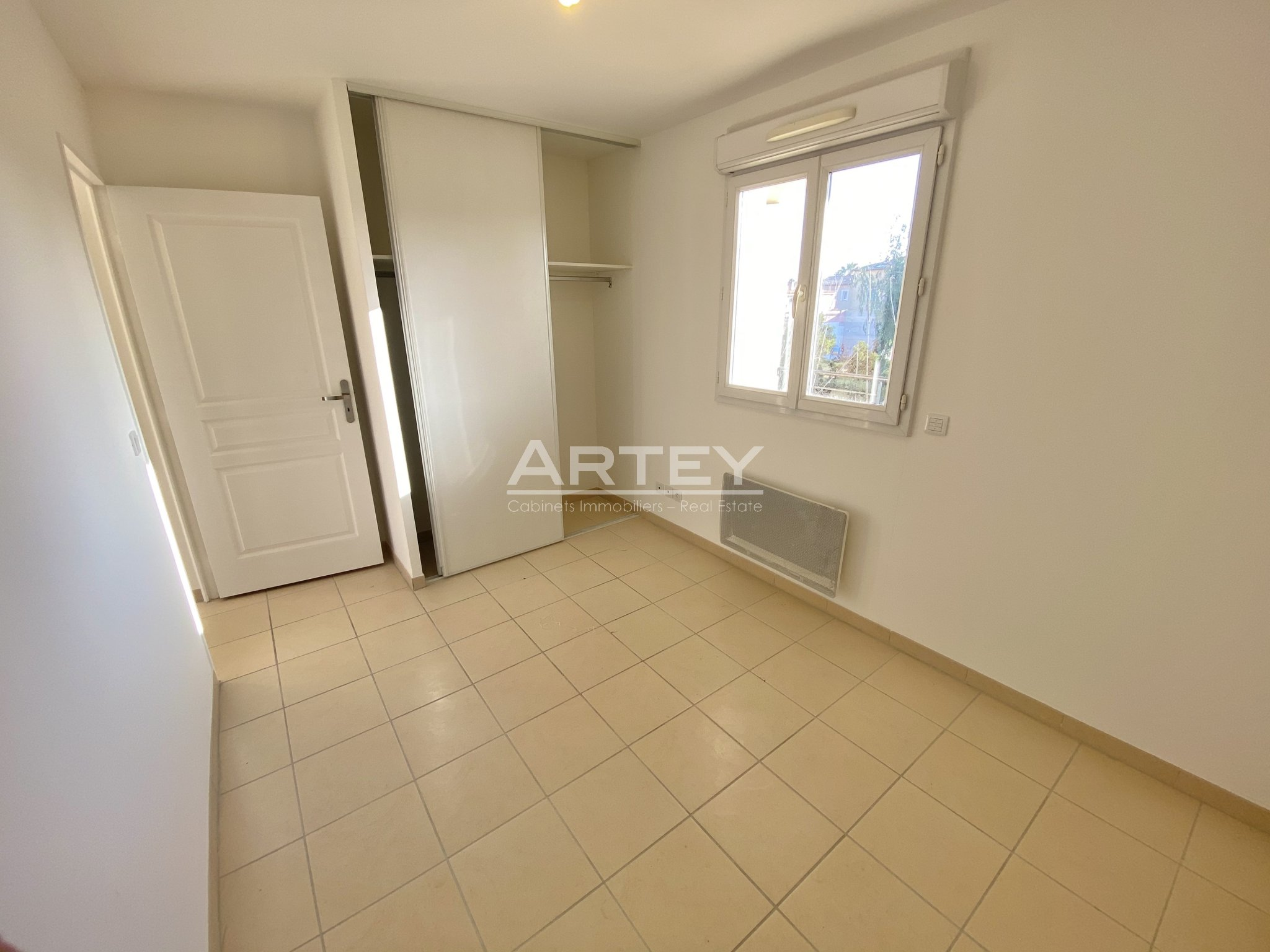 Appartement - Hyeres plage 83400